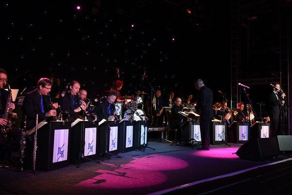 "The Nick Ross Orchestra Present the ""Glenn Miller & Rat Pack Era"""